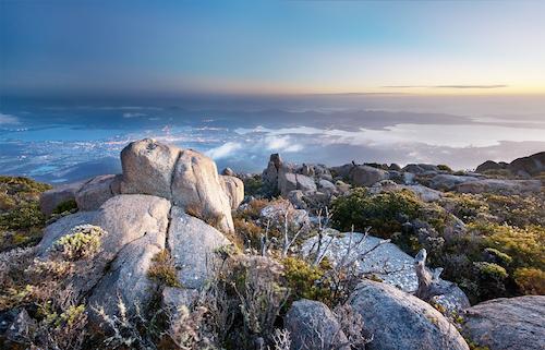 Hobart_from_Mt_Wellington_dawn