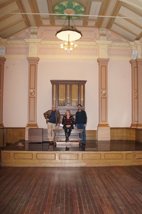Beechworth Pipe Organ returns 273